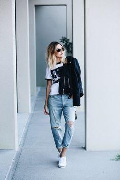 I love my wearing my boyfriend jeans #boyfriendjeans