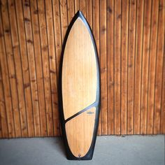 """WUUX """"Chub"""" with a wider tail then our normal riversurfboards. Lots of volume for some flat riverwaves. Finished with asymmetrical bamboo and black rails. Surf Design, Surfboard Fins, Sup Boards, Bamboo, Surfing, Flat, Diy, Ships, Planks"""