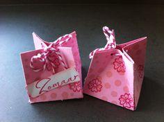 Cadeaudoosje voor 1 verpakte bonbon/chocoladekogel.   Afmetingen:http://pootles.co.uk