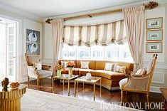 A custom designed banquette blends with upholstered pieces and antiques purchased in London. - Photo: Werner Straube / Design: Shelley Johnstone
