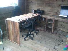 Escritorio em madeira de demoliçao