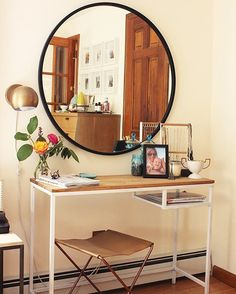 One super simple #ikeahack two ways today on #undeclaredpanache. The $40 Vittsjo laptop desk as a vanity and as an entry table. #ggathome