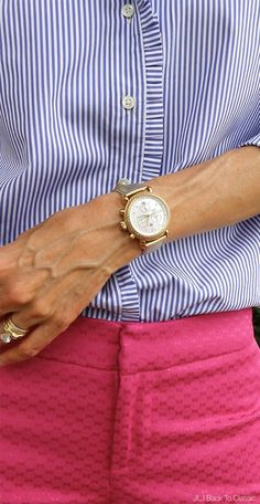 (Video) Classic Preppy Fashion/Style Over Blue and White Striped Ruffle Shirt, Pink Cropped Pants, and Navy Tote and Flats Preppy Fall, Preppy Style, Mom Style, Preppy Fashion, Fashion Edgy, Classic Fashion, Womens Fashion, Southern Style Outfits Preppy, Casual Preppy Outfits