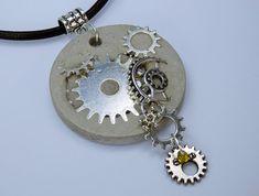Halskette Steampunk Betonschmuck am schwarzen von ArtJewelryFun