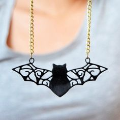 Got time for a quick craft? This easy bat necklace comes together in under an hour - get your template and make your own!