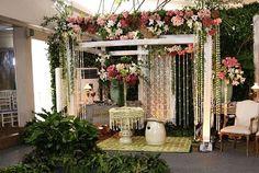 Dekorasi Siraman Adat Sunda dan Jawa Dekorasi Siraman. Disetiap adat mempunyai ciri khas tersendiri dalam upacara siraman pengantin. Apa itu siraman pengantin ? Siraman Pengantin adalah sebuah trad…