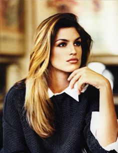 PERFECT highlights and hair on Cindy Crawford! She rivals Aniston with the Best Hair superlative!