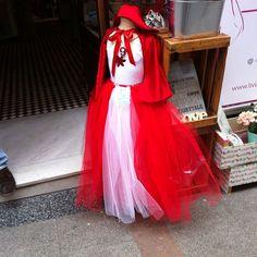 disfraz caperucita Tulle, Skirts, Instagram Posts, Fashion, Costumes, Moda, Fashion Styles, Tutu, Skirt