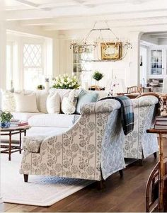 70 Amazing French Country Living Room Decor Ideas - Home Decor Coastal Living Rooms, Formal Living Rooms, Living Room Interior, Home Living Room, Living Room Designs, Living Room Furniture, Living Room Decor, Decorating Living Rooms, Designer Living Rooms