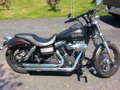 2011 Harley Davidson Dyna Streetbob Vanes  Hines Big Shots Street Slammer handle bars Screaming Eagle breather kuryakyn hwy pegs  Forward controls  Badlanders HD seat