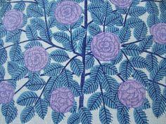 Tryckt duk - Rosmönster i ljusblått och lila - 50-60-tal