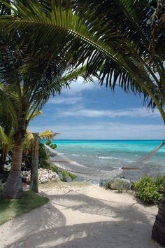 Beach- Places to visit. The beach is amazing except for all the trash that gets thrown around. Dream Vacations, Vacation Spots, Romantic Vacations, Italy Vacation, Places To Travel, Places To See, Honeymoon Destinations, Paradis Tropical, Peaceful Places