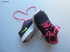 Nike Flex Experience RN Womens Thunder Blue Berry Volt