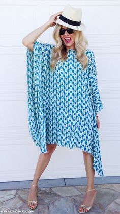 This EASY Caftan dress will have you looking super chic and unbelievably glam in less than 30 minutes!