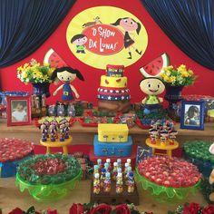 Show da Luna para os 3 aninhos da Laura. ❤️❤️❤️❤️❤️❤️❤️❤️❤️❤️#festakids #encontrandoideias #showdalunaparty