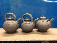 Glenn Dair Ceramic Teapots, Ceramic Pottery, Ceramics Ideas, Tea Bowls, Sculpting, Arts And Crafts, Coffee, Tableware, Modern