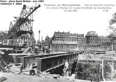 1907 - Métropolitain - Station Saint-Michel - Ligne 4 - Situation de la station Saint-Michel après fonçage de la sation dans le sol. Au premier plan, le puit nord qui recevra les escaliers fixes