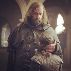 The Hound and Arya Game of Thrones Season 8 episode 5 Game Of Thrones Facts, Got Game Of Thrones, Game Of Thrones Funny, Winter Is Here, Winter Is Coming, Rory Mccann, The North Remembers, Got Memes, Cult