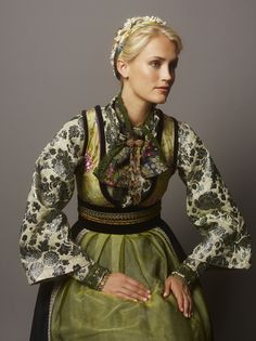 FANTASISTAKKER | Eva Lie Design AS Folk Costume, Costumes, Frozen Costume, Natural Blondes, Bridal Crown, Traditional Dresses, A Boutique, Green And Grey, Textiles
