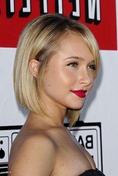Hayden Panettiere, carré plongeant court, coupe carré, version plongeant court, cheveux blond, lisses, féminin