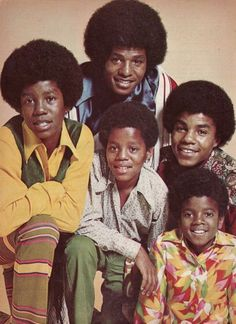 The Jackson from left to right, Jermaine, Jackie, Marlon, Tito and Michael. The Jackson Five, Jackson Family, Paris Jackson, Music Icon, Soul Music, Michael Jackson, Janet Jackson, King Of Music, The Jacksons