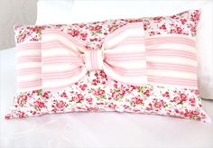 Soft & Sweet Banded Bow Pillow | Sew4Home - step by step Photo tutorial - Bildanleitung