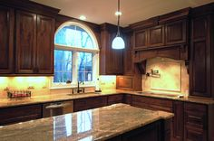 #CustomCabinets to create the perfect, warm and rich atmosphere to your #Kitchen