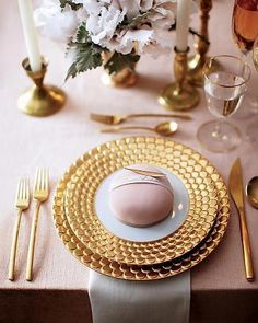 Beautiful Blush and Gold place setting / photographed by Johnny Miller