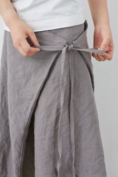 Fashion Pants, Look Fashion, Fashion Outfits, Clothes Crafts, Sewing Clothes, Dress Clothes, Linen Dress Pattern, Pattern Draping, Maxi Skirt Tutorial