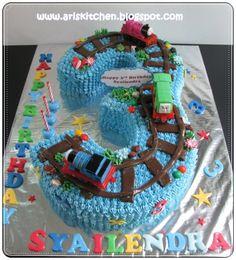d'Angel Cakes: Thomas and Friends Cake train party Thomas Birthday Cakes, Thomas Birthday Parties, Thomas Cakes, Thomas The Train Birthday Party, Trains Birthday Party, Train Party, Thomas Train Cakes, Birthday Ideas, Cupcakes