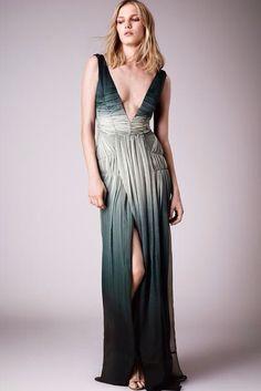 Burberry Prorsum Londra - Pre-Spring 2015 - Shows - Vogue. Runway Fashion 2015, Vogue Fashion, Fashion Show, Fashion Design, Burberry Prorsum, London Fashion Weeks, Haute Couture Brands, Tie Dye, Resort 2015
