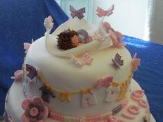 torta cake design sarascake bambina che dorme su lenzuolo di farfalle