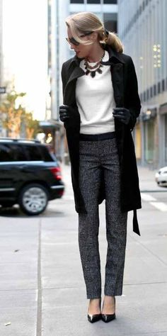 15 Stunning Casual Work Outfits For Women 15 Stunning Casual Work Outfits For Women Young Work Outfit, Comfy Work Outfit, Casual Work Outfits, Work Casual, Cropped Blazer, Winter Jackets Women, Office Fashion, Get Dressed, What To Wear