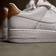 Nike Air Force 1 Low: White/Tan