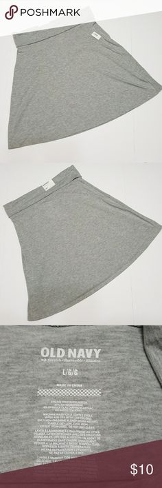 """Old Navy light gray stretch skirt NWT Old Navy stretch skirt in light gray. Fold over waistband. Lay flat measurements: 17"""" waist, 23"""" long. Old Navy Skirts"""