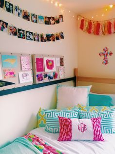 Blessed Brunette: My Dorm Featuring Southern Spring. I Especially LOVE The  Pictures Hung On The Clip.