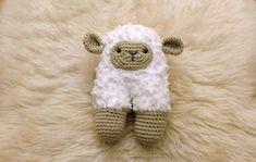 AMIGURUMI SHEEP - patron doudou mouton au crochet ! ideal pour cadeau de naissance #crochet #doudou #diy #bébé