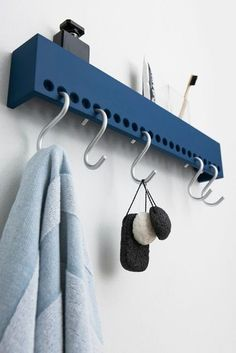 Nomess So-Hooked Wandgarderobe 60 cm blau Wall Racks, Wall Storage, Wall Shelves, Storage Rack, Shelf Hooks, Wood Shelf, Wall Hanger, Diy Storage, Shelving