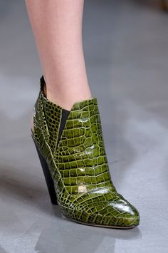 Derek Lam Spring New York Fashion Week Spring 2013 Slingback Shoes, Pumps Heels, Womens Fashion Sneakers, Fashion Shoes, Style Fashion, New York Fashion, Bootie Boots, Shoe Boots, Women's Boots