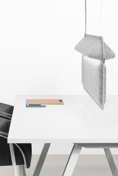 AK 2 Workspace Divider Lamp by Ivan Kasner and Uli Budde for De Vorm Desk Dividers, Office Lamp, Office Table, Acoustic Wall, I Love Lamp, Recycling, Open Office, Co Working, Home Trends