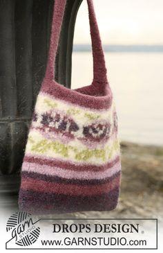 "Wine and Roses - Huovutettu ruusukuvioinen DROPS laukku ""Eskimo""-langasta. - Free pattern by DROPS Design"