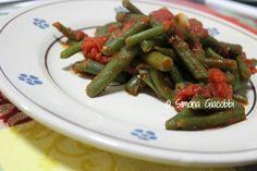 Un contorno classico pugliese: fagiolini verdi al pomodoro! Li abbiamo preparati ieri per voi! www.pugliamonamour.it