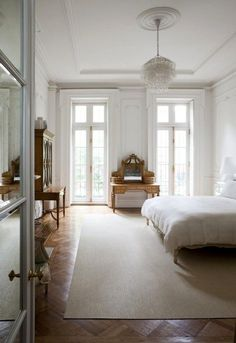 White On Bedroom Design With That Paris Apartment Look Neutral Home Decor Decorating Ideas