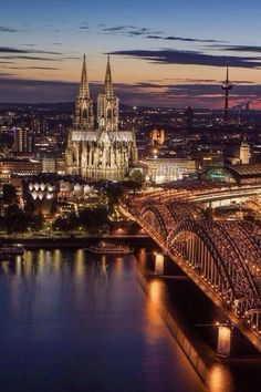 """""""@World_Images_: Cologne at Dusk, Germany pic.twitter.com/QmyYWJMmJS"""""""