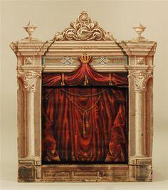 Heimpuppenbühne mit Proszenium und Vorhang