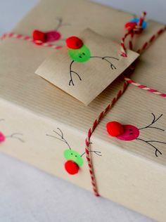 Fingerprint Reindeer Gift Wrap - The Crafty Crow