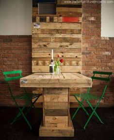 If you want to create some formal atmosphere inside your home, grab a couple of metallic chairs and also make a wood pallet recycled centre table like this one and feel like you are sitting in some downtown café. Despite of the broken shipping pallets this is still a modern pallet wood table.
