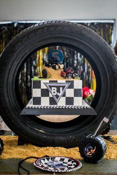 Monster-Truck-Birthday-Party-via-Karas-Party-Ideas-KarasPartyIdeas.com2_.jpeg (700×1050)
