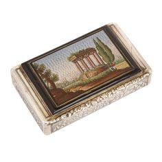 Antique Chased Silver Snuff Box Set with Fine Italian Micromosaic Plaque century Antique Boxes, Antique Clocks, Antique Silver, Decorative Objects, Decorative Boxes, Gold Interior, Grand Tour, Plaque, Solid Gold