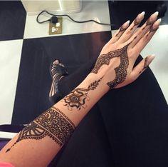Henna tattoo Mehndi Art, Henna Mehndi, Mehendi, Henna Tattoo Designs, Mehndi Designs, Heena Design, Mehndi Images, Nice, Tattoos